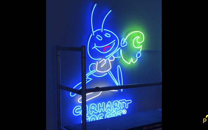 Carhartt Neon Publima02