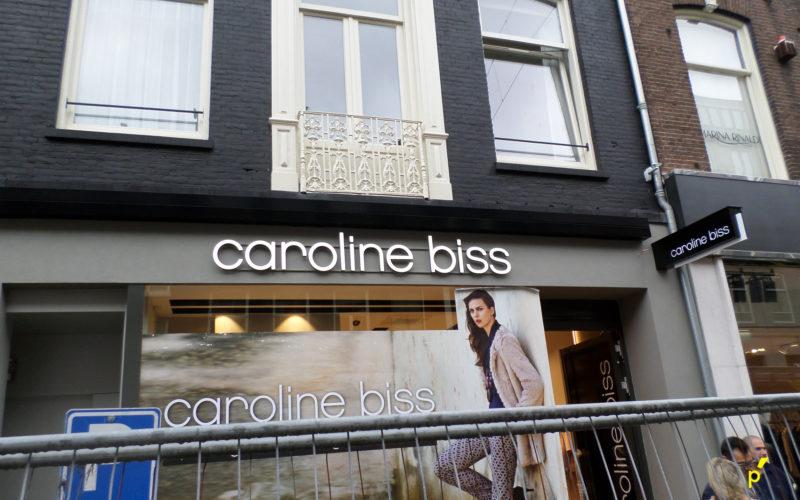 16 Gevelletters Carolinebiss Publima