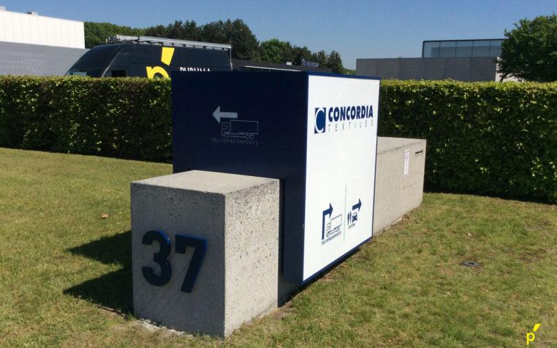 15 Zuil Concordia Publima