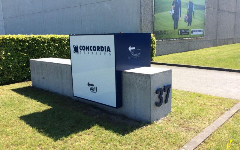 17 Zuil Concordia Publima