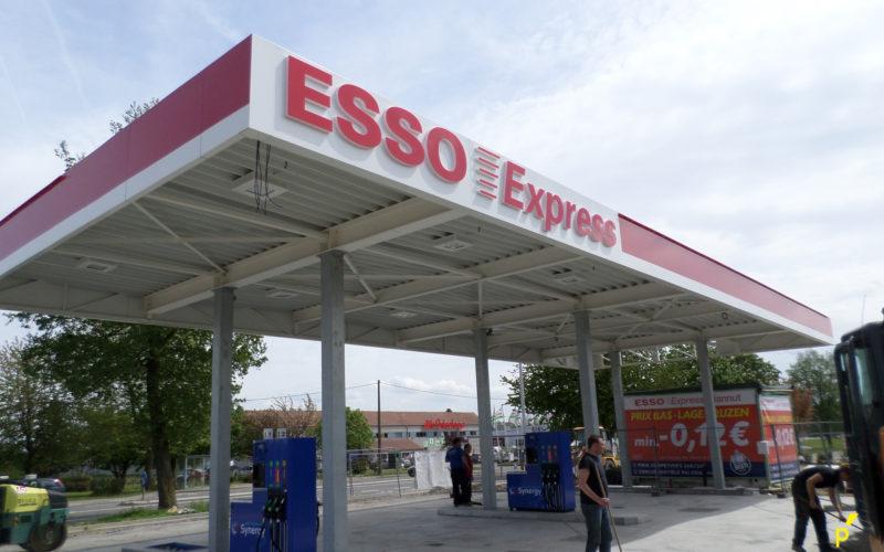 30 Gevelbekleding Esso Publima