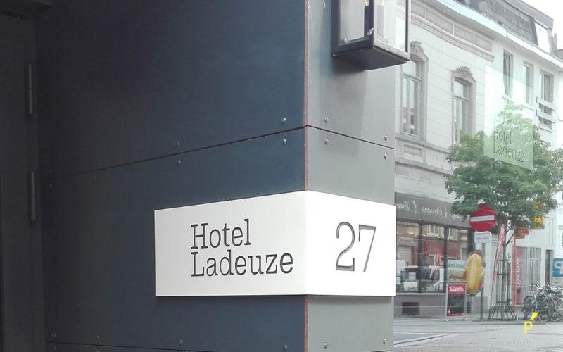 03 Gevelletters Ladeuze Publima