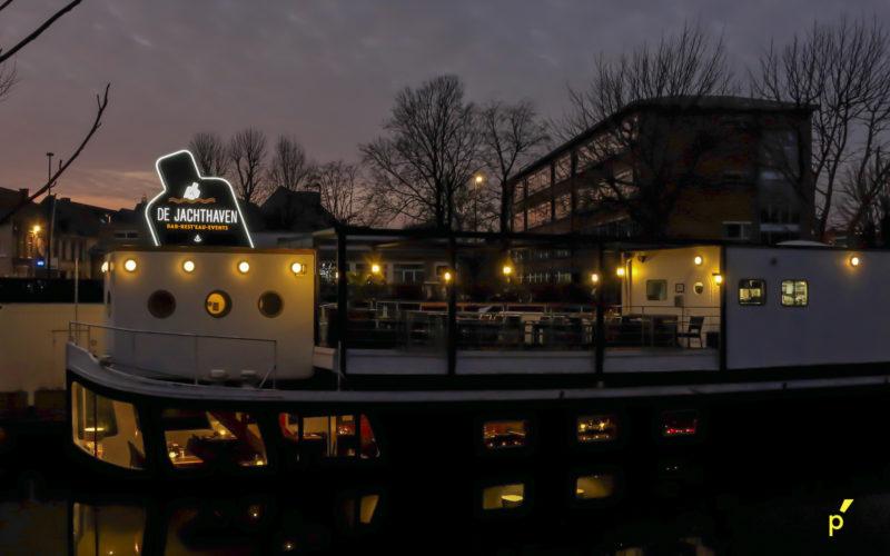 08 Neon Jachthaven Publima