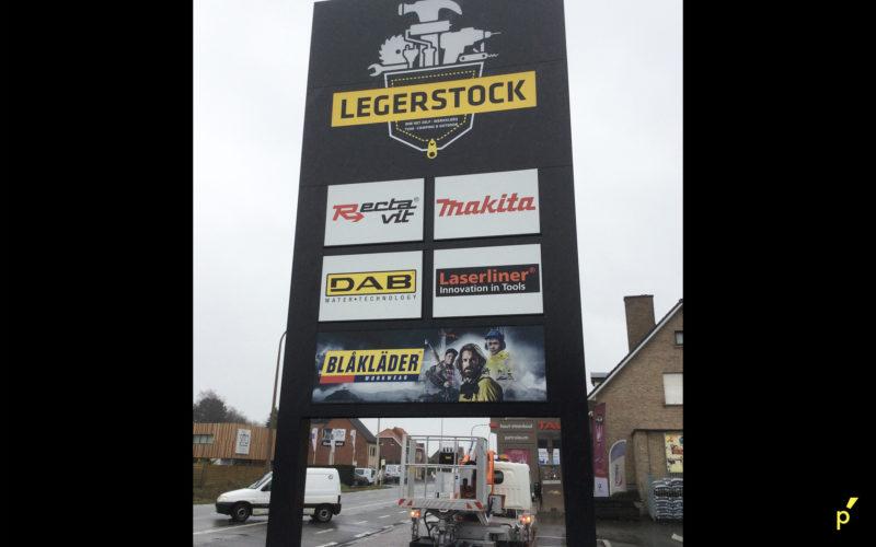 105 Totem Legerstock Publima