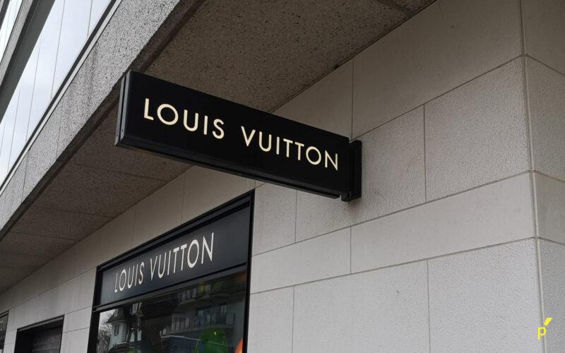 Louis Vuitton Gevelletters Publima 05