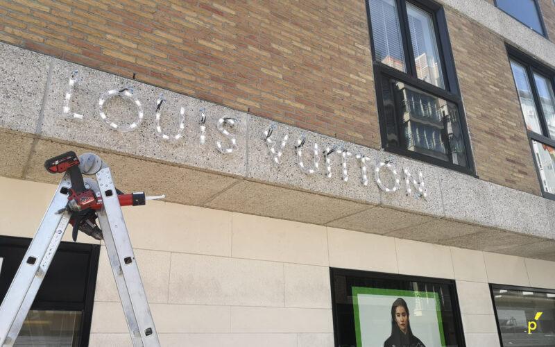 Louis Vuitton Gevelletters Publima 08