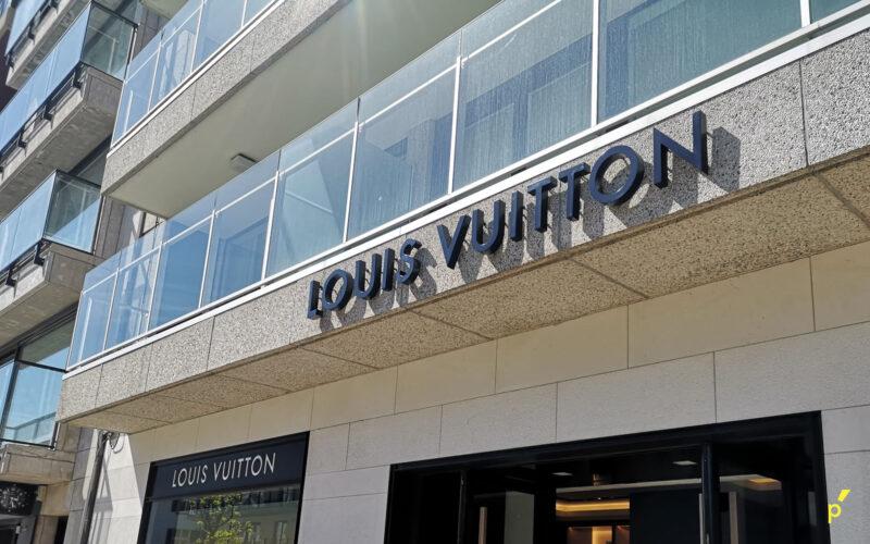 Louis Vuitton Gevelletters Publima 09