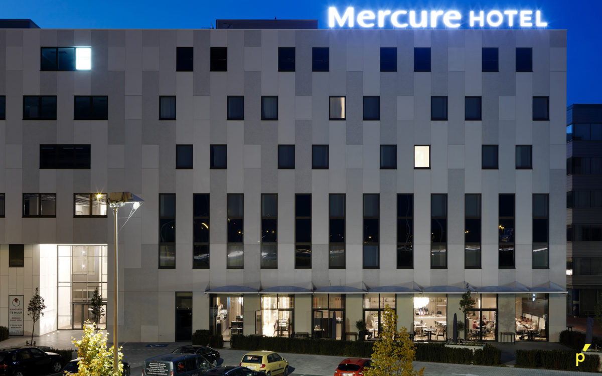 27 Gevelletters Mercurehotel Publima