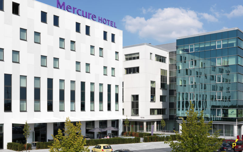 01 Gevelletters Mercurehotel Publima