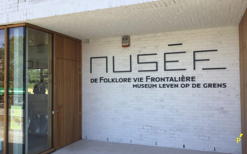 Musee De Folkore Reliëfletters Publima 02
