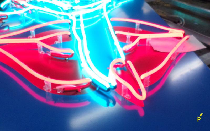 04 Neon Publima