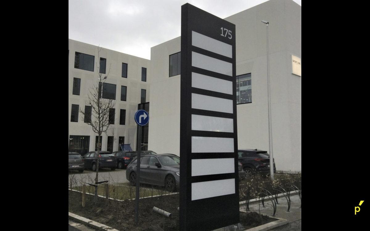 R Plaza Totem Publima 04