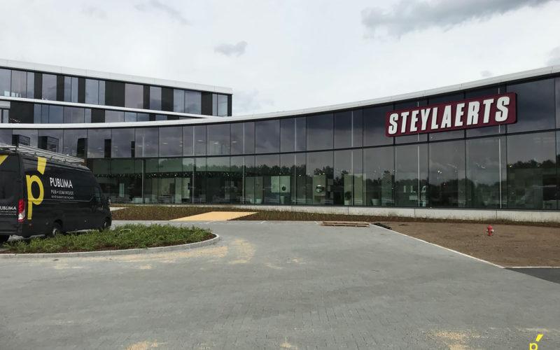 151 Gevelletters Steylaerts Publima