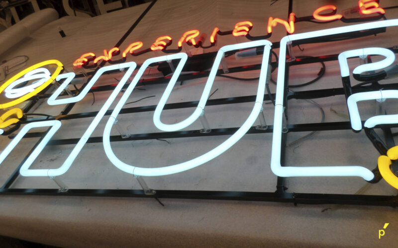 Thomas More Neon Publima 04